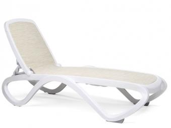 nardi gartenliege omega stapelbar kunststoff wei trama beige bei. Black Bedroom Furniture Sets. Home Design Ideas